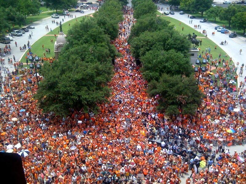 Orange-clad crowds chanted outside the Texas Capitol building. Source: Twitter user TMFtx