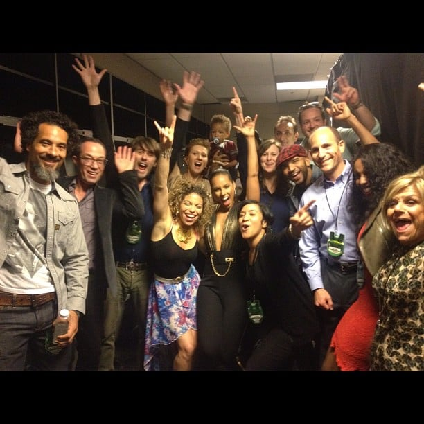 Alicia Keys celebrated backstage with her whole crew. Source: Instagram user aliciakeys