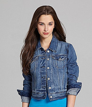 In search of a go-with-everything denim jacket? Look no further than this