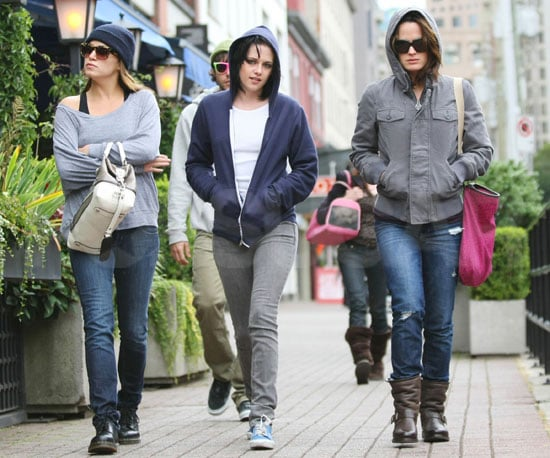 Slide Photo of Kristen Stewart With Nikki Reed and Elizabeth Reaser in Vancouver