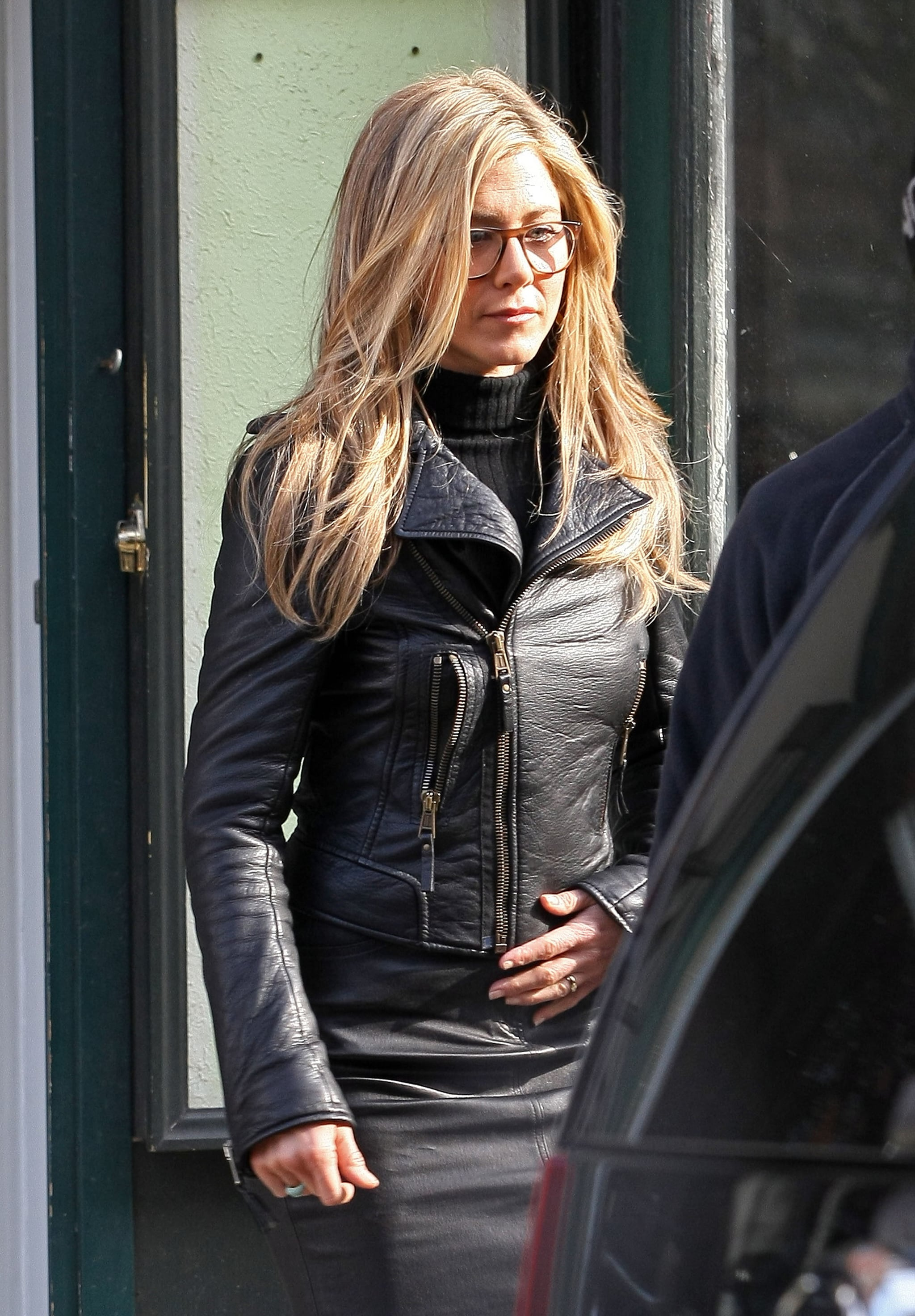 Pictures Of Jennifer Aniston On The Set Of Wanderlust In