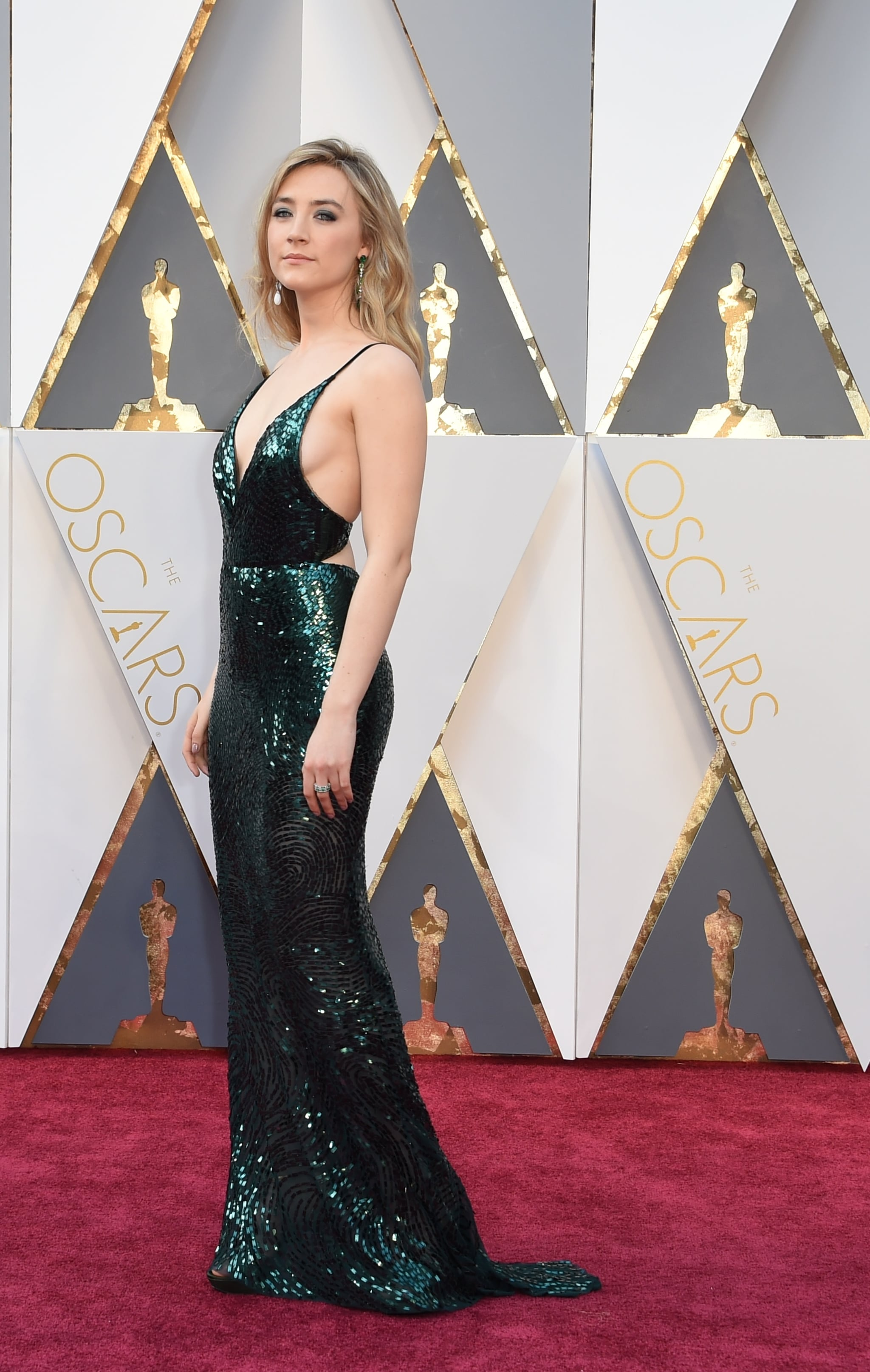 Scarlett Johansson Is Fashionably Late but Still Looks