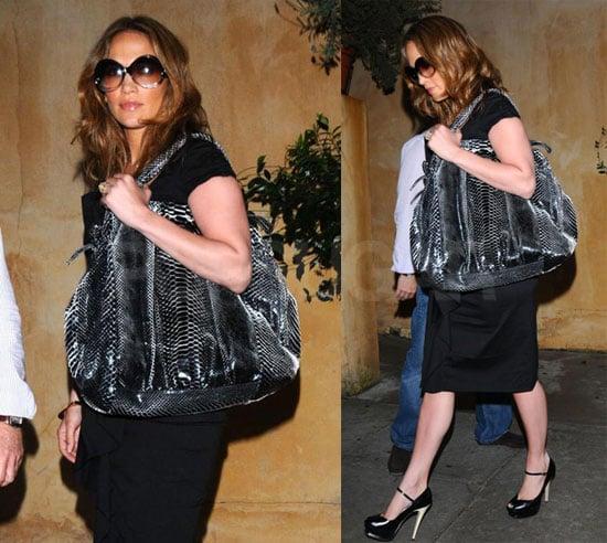 Jennifer Lopez Takes a Meeting
