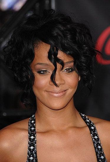 Love It or Hate It? Rihanna's American Music Awards Look