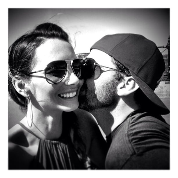Ricki-Lee Coulter got a kiss from her fiancé Rich Harrison on Valentine's Day. Source: Instagram user therickilee