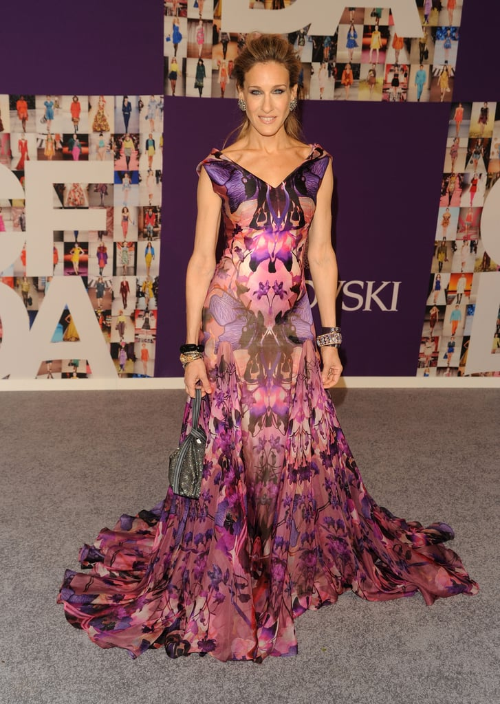 SJP turned up the drama in a Pre-Fall Alexander McQueen gown at the 2010 SCFA Fashion Awards in NYC. The vibrant pink and purple print, defining décolletage, and flowing train are what dreams are made of.