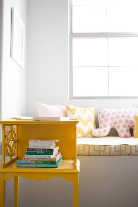A Doesn't-Look-DIY Side Table