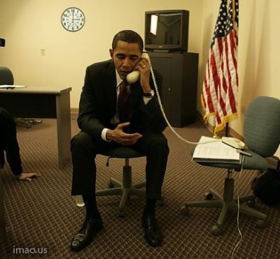 Barack Obama Does Not Know How to Use a Phone