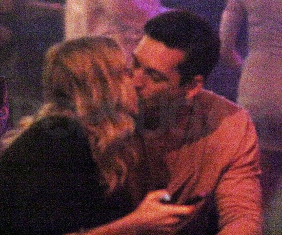 Slide Picture of Eddie Cibrian and LeAnn Rimes Kissing on NYE in Cabo