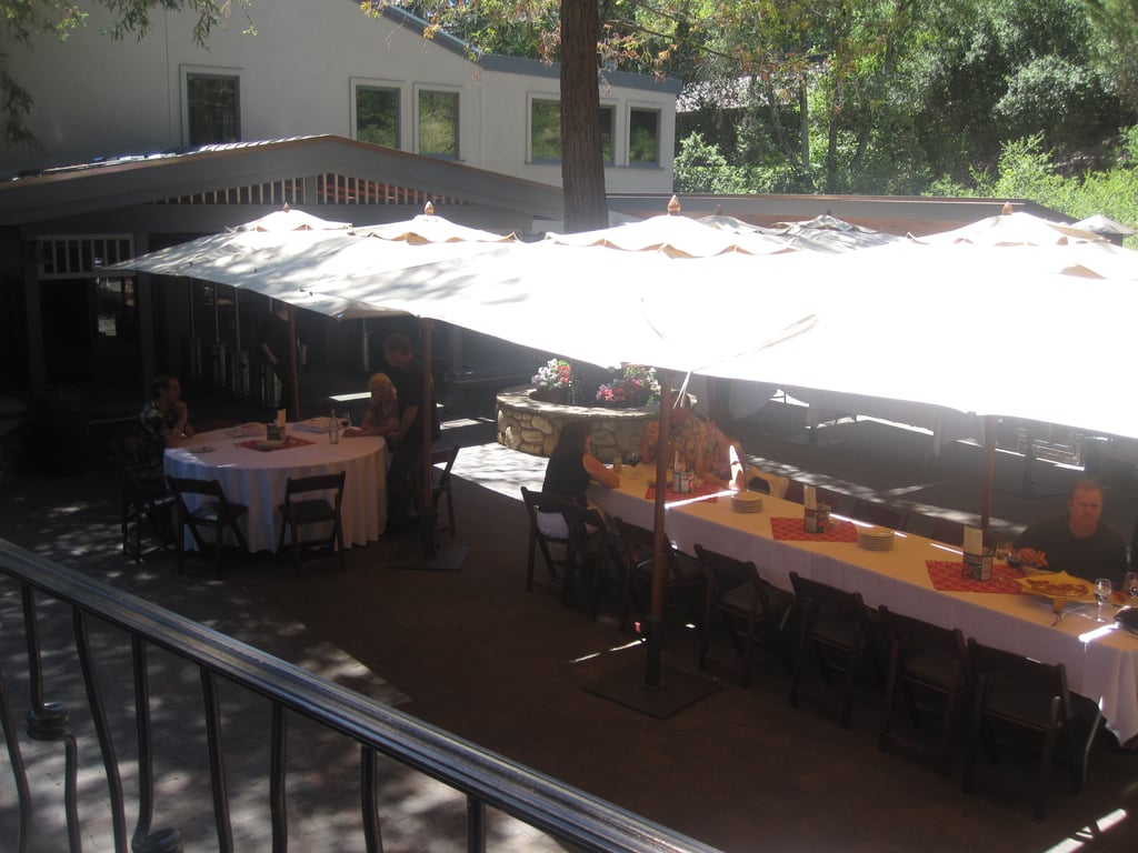 During the Summer, the winery has an outdoor pizza cafe. There's a wood burning oven and a selection of savory and sweet pizzas on the menu.