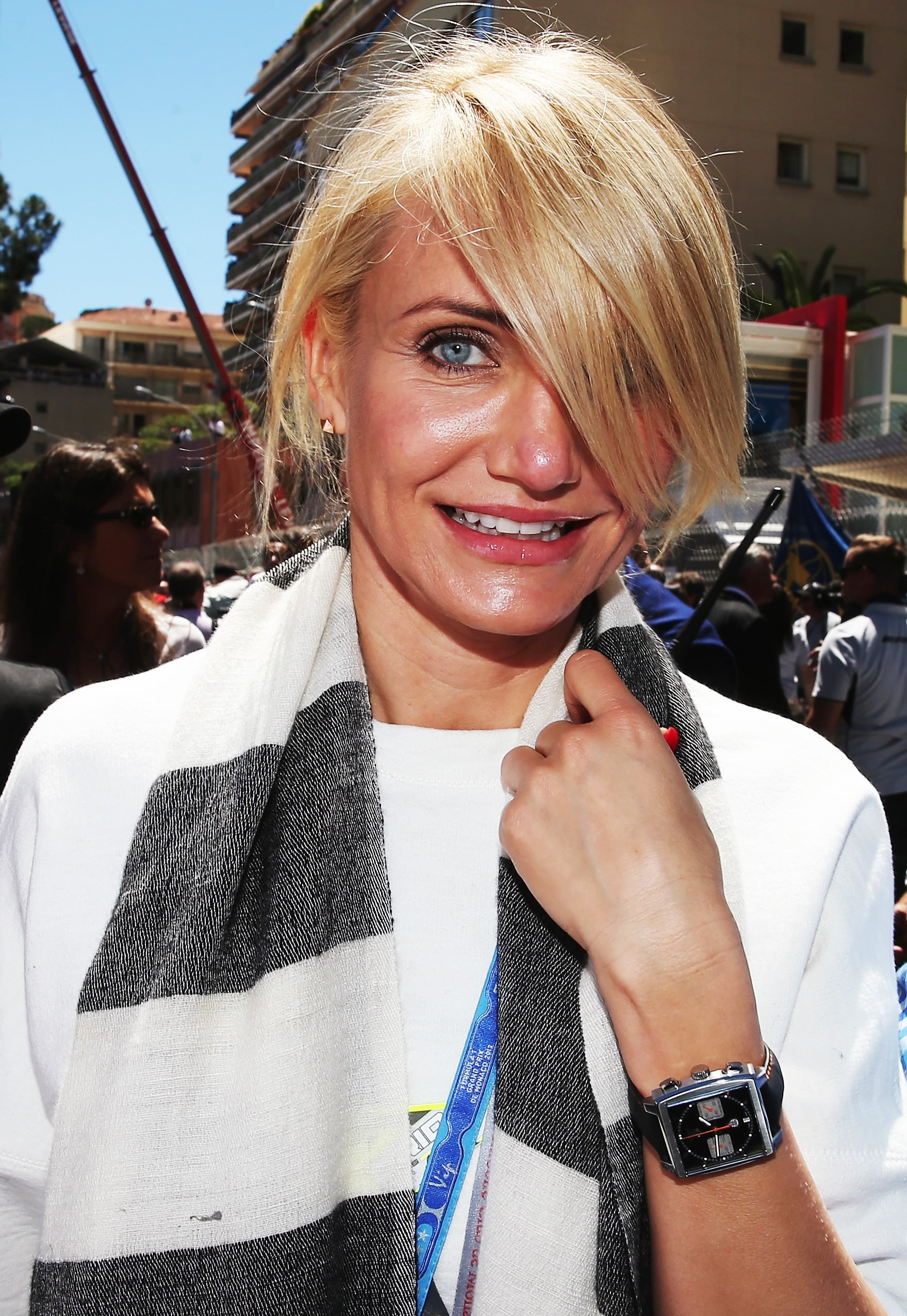 A section of deep, sideswept bangs makes Cameron Diaz's ponytail extra special.