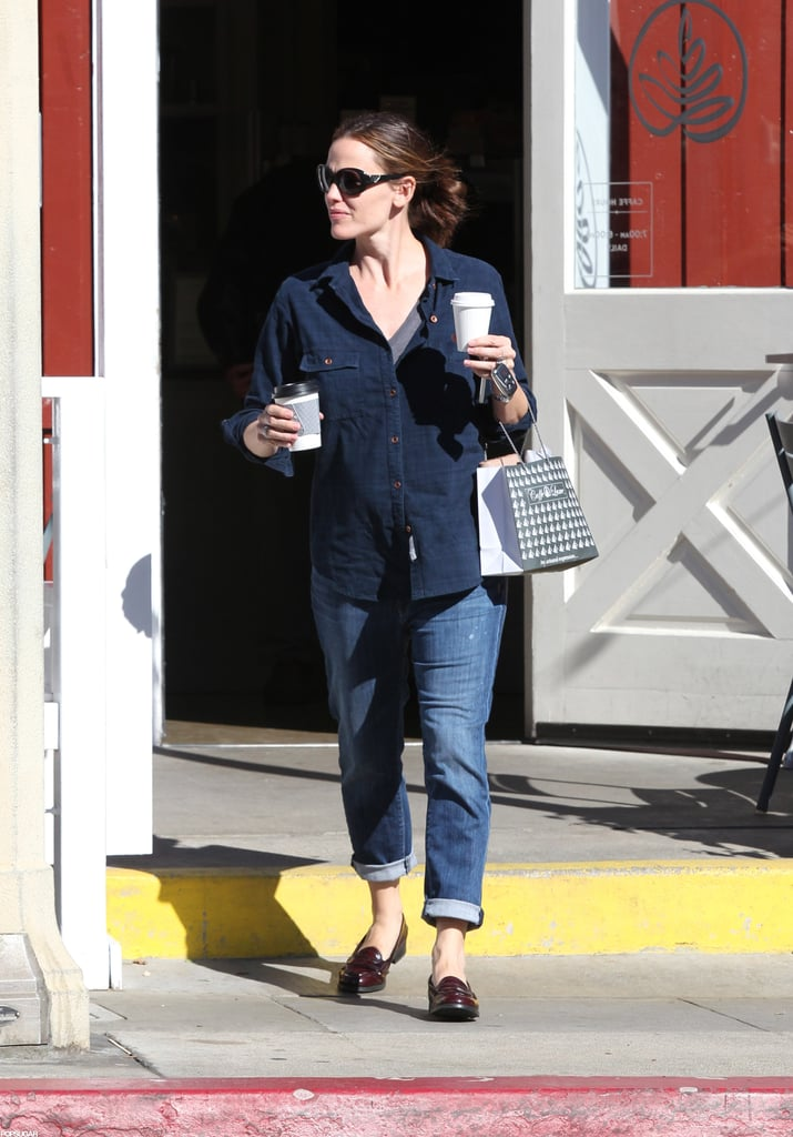 Jennifer Garner made a coffee stop while out in LA.