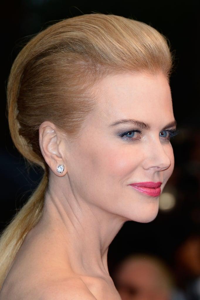 Here's Nicole's sleek hair look from the side.