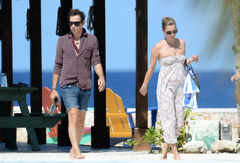 Kate Moss and Jamie Hince walked on the beach in Jamaica.