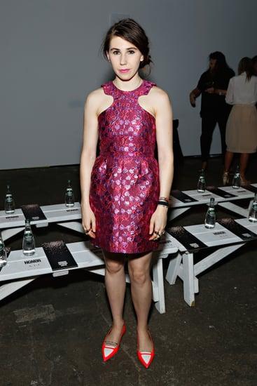 Girls-actress-Zosia-Mamet-matched-pink-brocade-Honor-dress