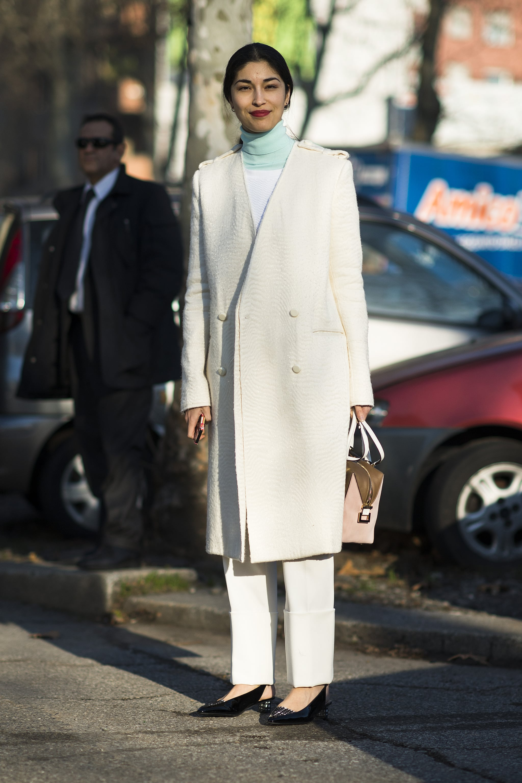 Caroline Issa isn't afraid of a little — or a lot of — Winter white.  Source: Le 21ème   Adam Katz Sinding