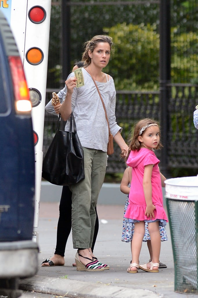 Amanda Peet got ice cream in NYC with her daughter Frances.