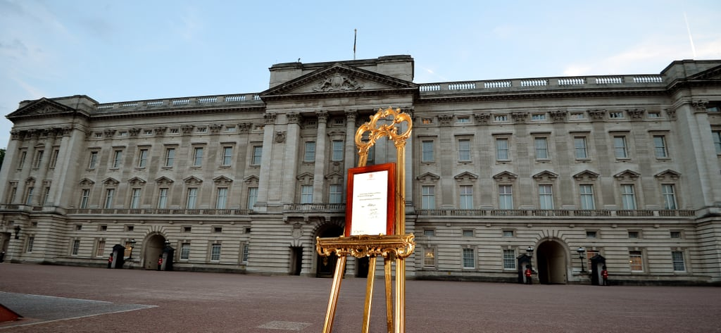 The easel stood outside Buckingham Palace with the announcement of the royal baby's birth.