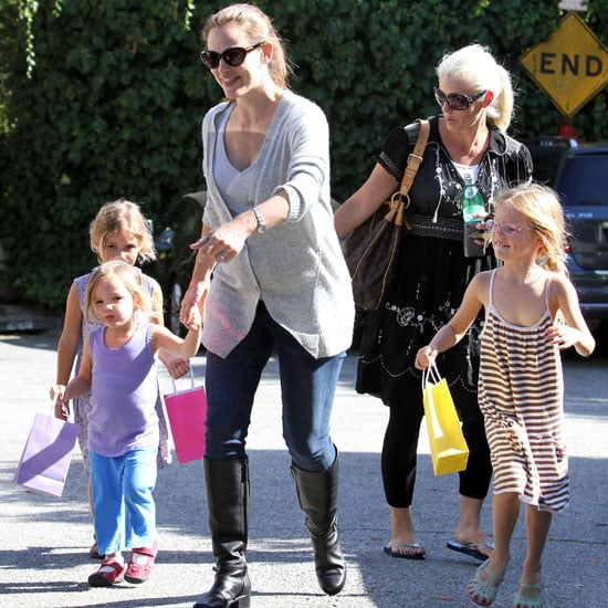 Jennifer Garner Pictures Taking Violet and Seraphina to Party