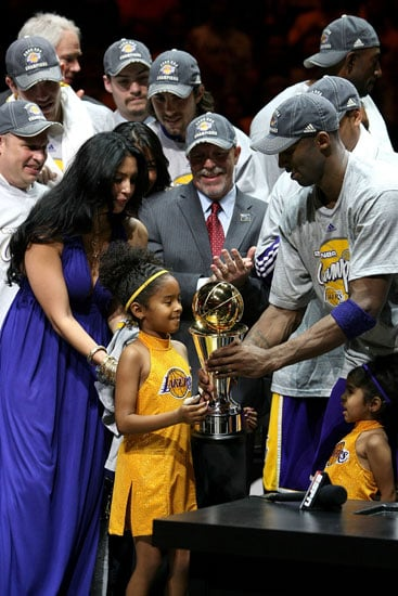 Kobe Bryant Celebrates with His Girls
