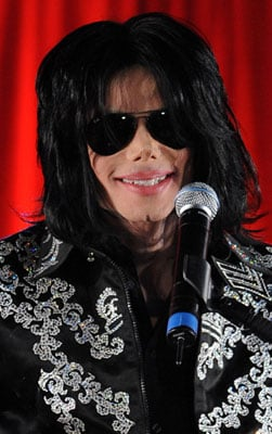 Roundup Of The Latest Entertainment News Stories — Michael Jackson's Doctor to Be Charged With Manslaughter