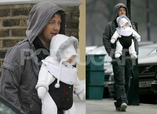 Photos of Jamie Oliver With Baby Daughter Petal Blossom Rainbow Oliver in the Snow in London