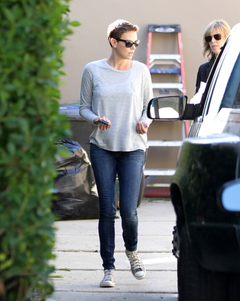 Charlize Theron Gets Put to Work on a Friendly Moving Day