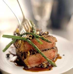 Garlicky Steak and Asparagus Recipe