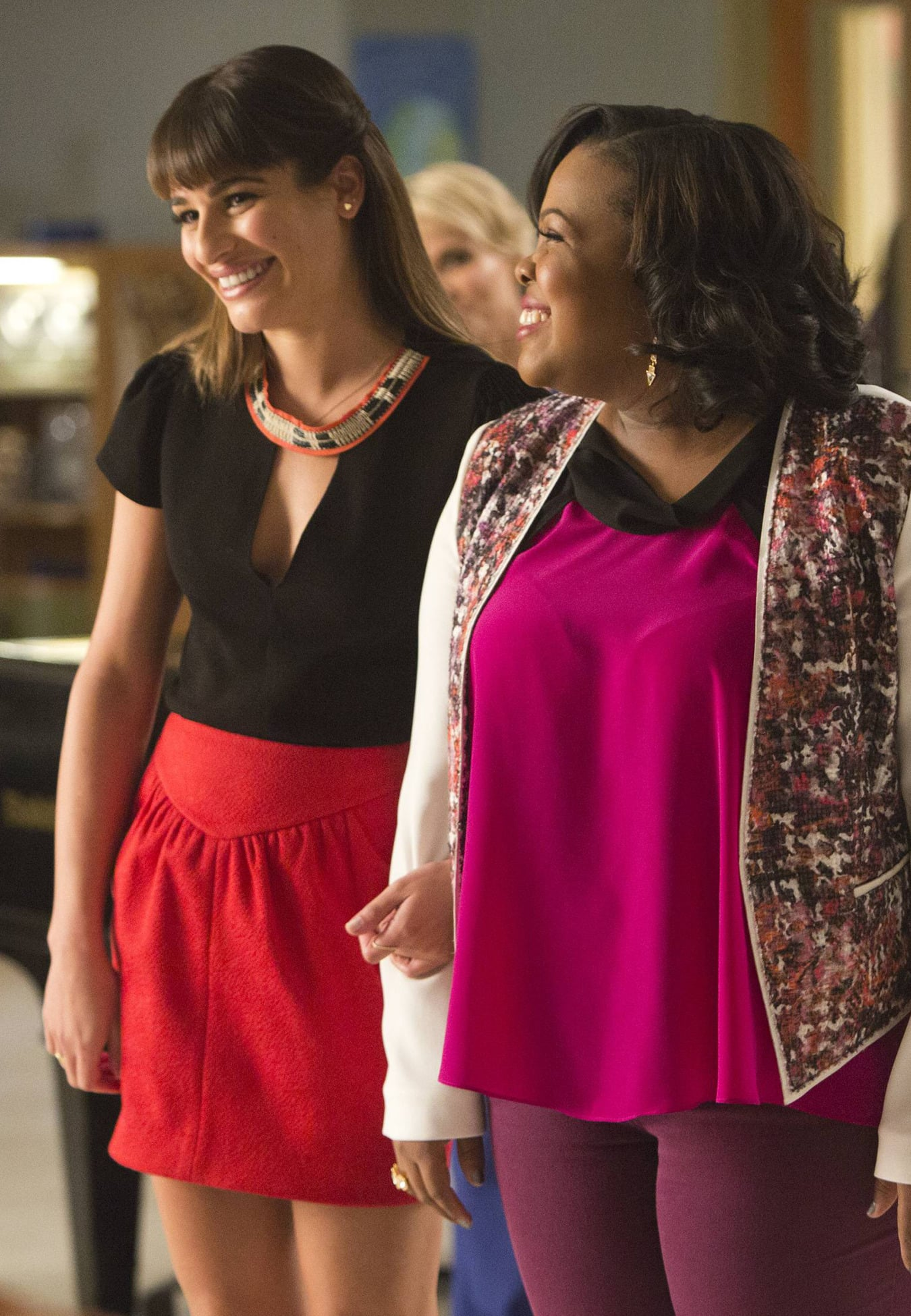 Rachel and Mercedes bond together back at McKinley.