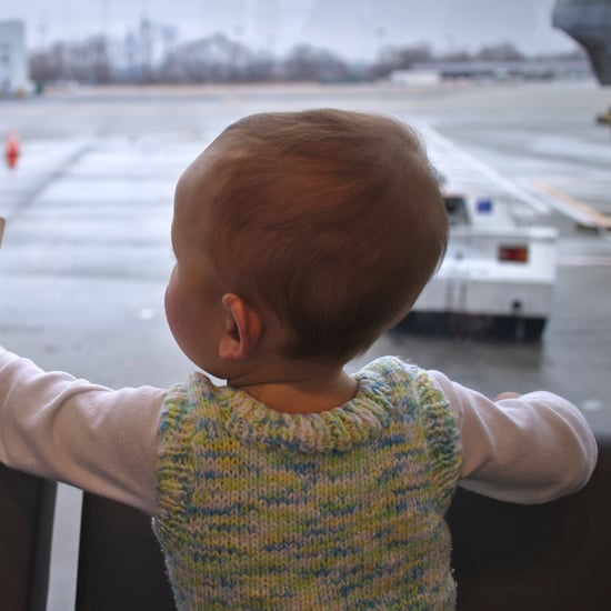 Father Pays to Sit Next to His Daughter on Flight