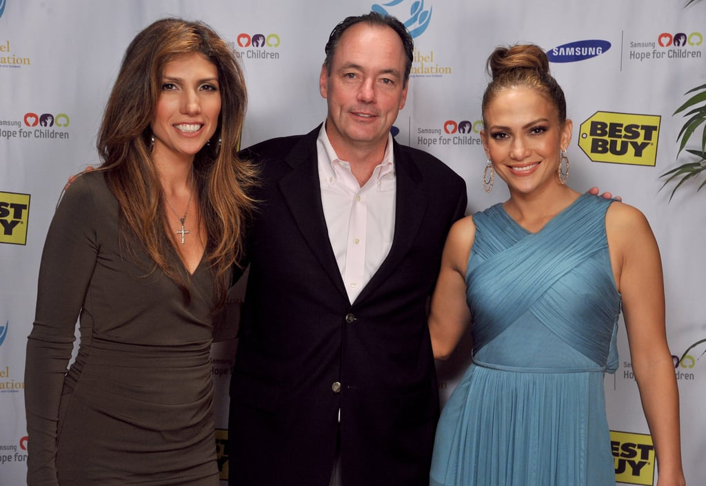 Jennifer and Lynda Lopez posed for photos.