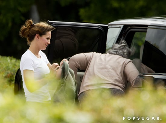 Kate-Middleton-checked-Prince-George-car