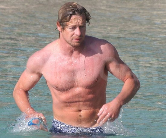 Slide Picture of Simon Baker Shirtless in the Ocean