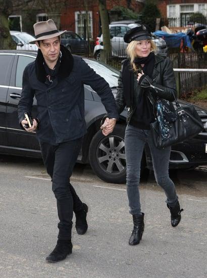 """Lopsided"" English Girl Kate Moss Has a Rainy Day With Husband Jamie Hince"