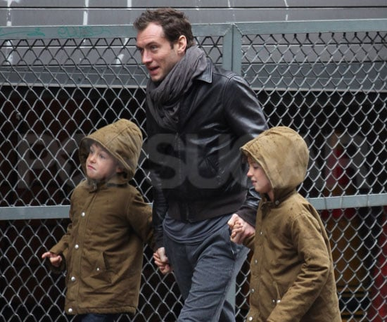 Slide Photo of Jude Law with Iris and Rudy in NYC Going to the Museum