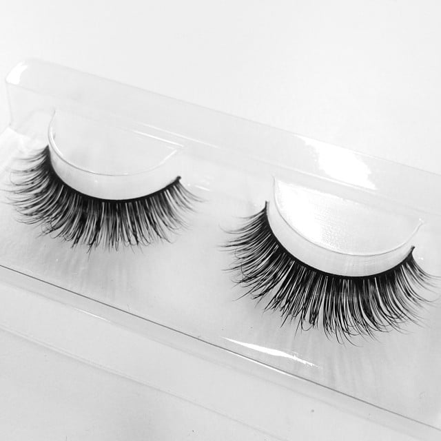 We can't say we're surprised that these Velour Lashes are Jessica Alba's fave — look at that density! These particular ones are called Strike a Pose, and they're available for $32 at Velour Lashes.