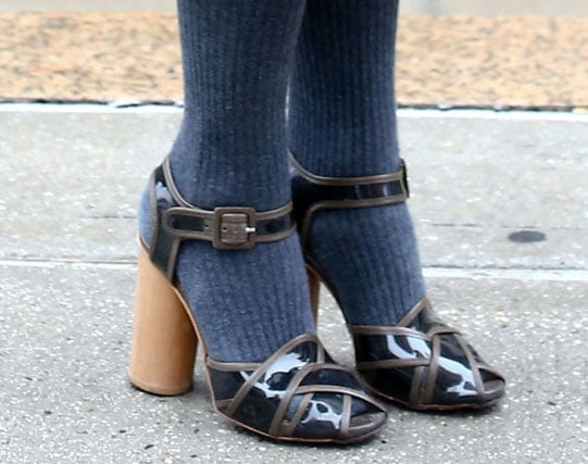 We love that these retro-feeling heels looked even sweeter with knit tights.