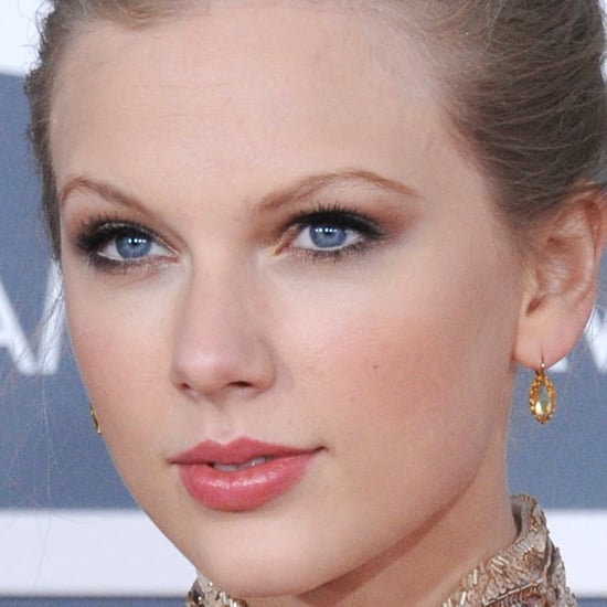 Taylor Swift Wears CoverGirl Lipstick to the Grammys