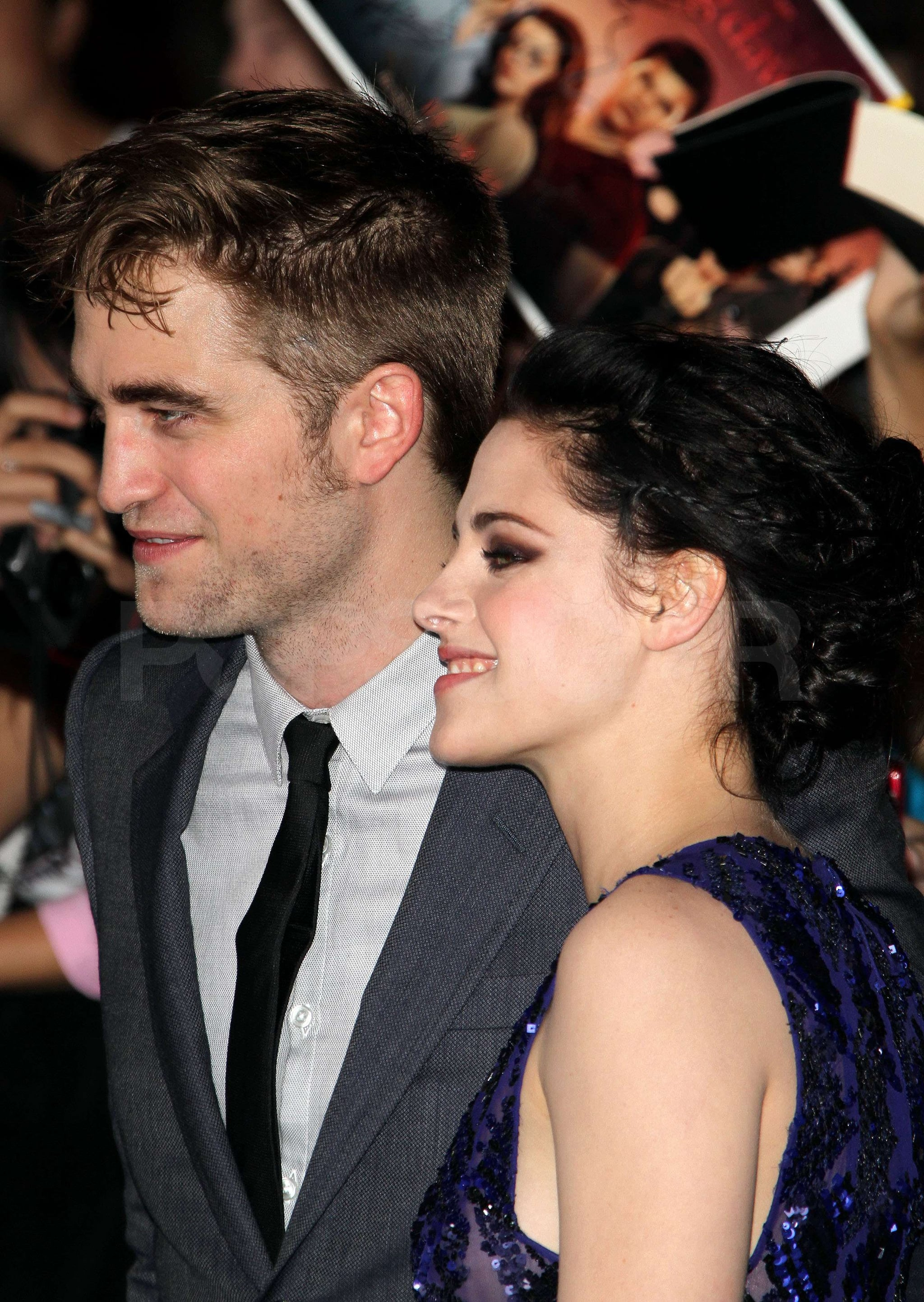 Kristen Stewart and Robert Pattinson greeted some fans as a pair.