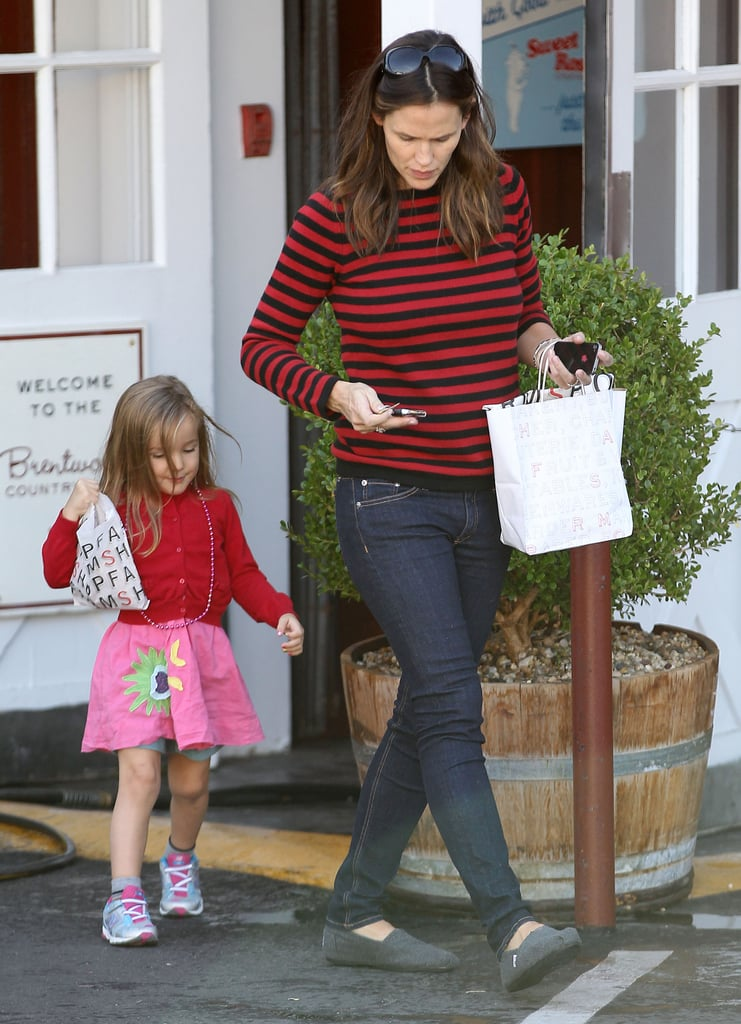 Seraphina Affleck and Jennifer Garner picked up breakfast in Brentwood.