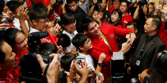 Joseph Schooling Receives A Hero's Welcome Upon Returning To Singapore