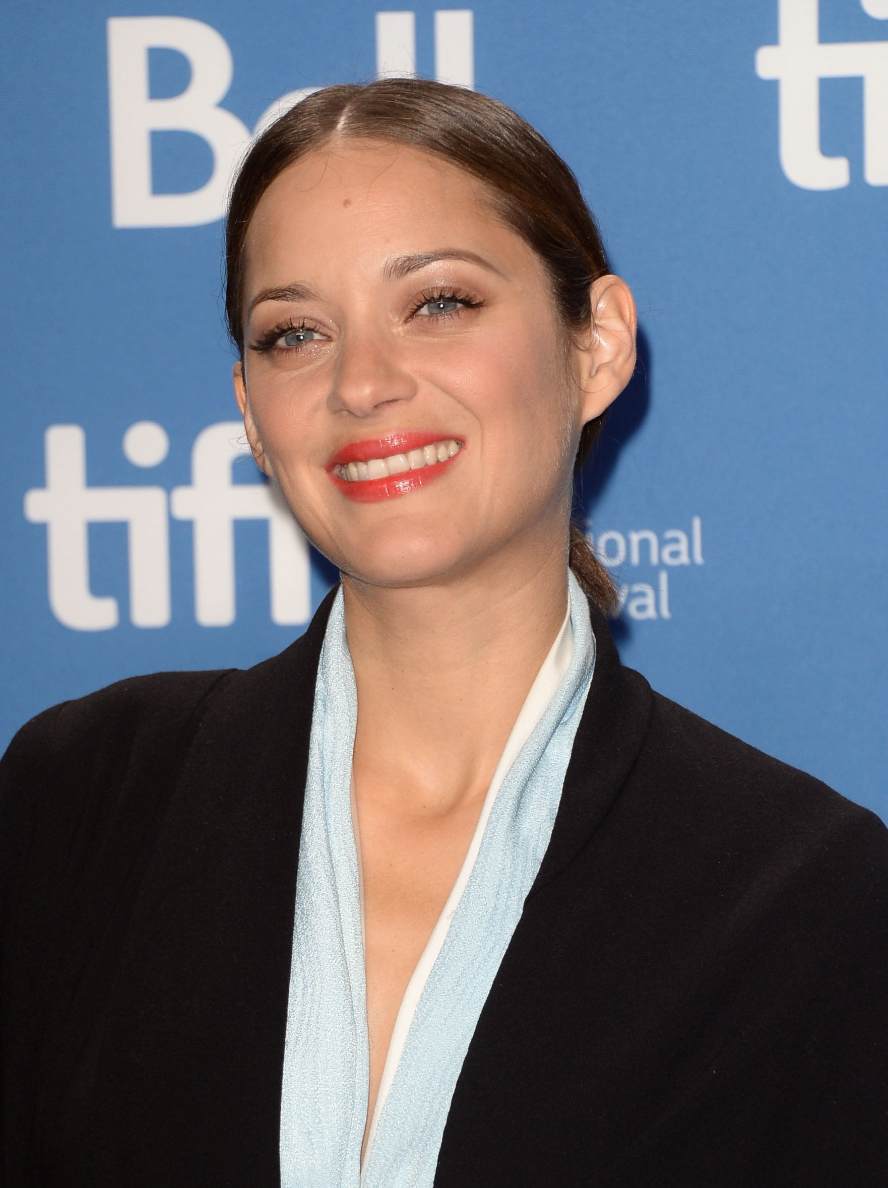 Marion Cotillard was all smiles at the Blood Ties press conference.