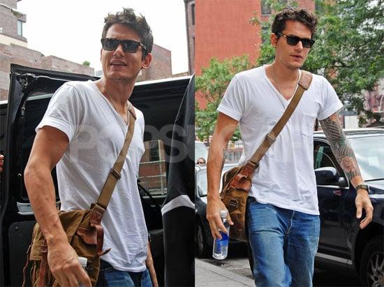 Photos of John Mayer in NYC 2008-07-10 12:45:11