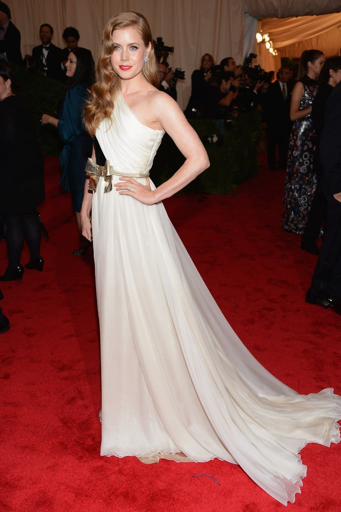 Amy Adams wore a Giambattista Valli gown.