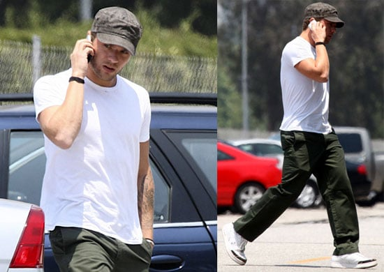 Photos of Ryan Phillippe Chatting on his iPhone