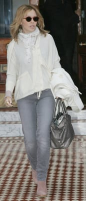 Kylie Minogue Style 2010-01-22 12:30:11