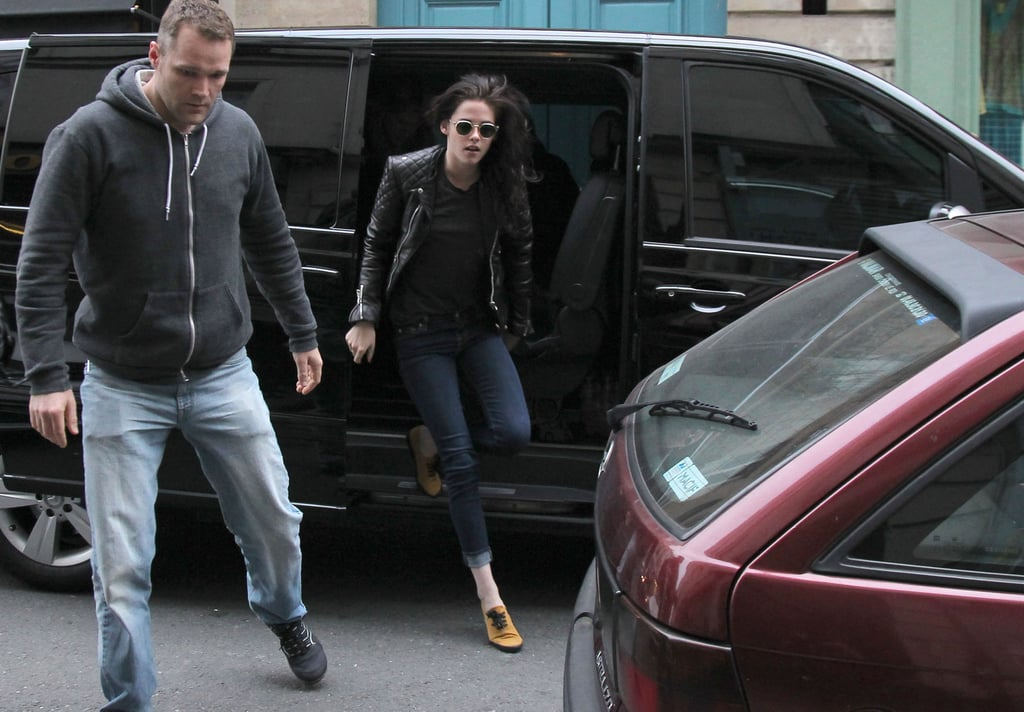 Kristen Stewart hopped out of a van.