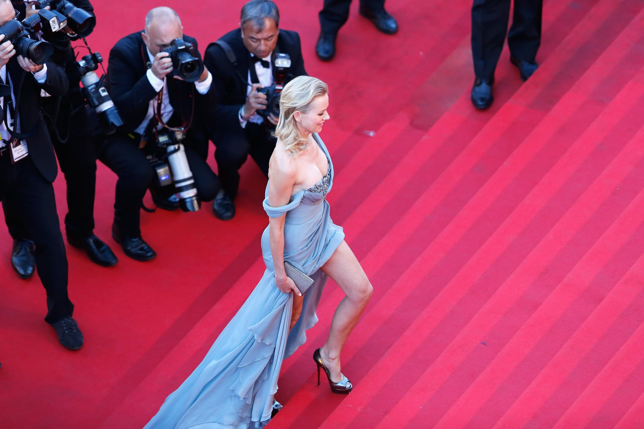 Naomi Watts made her way up the grand staircase.