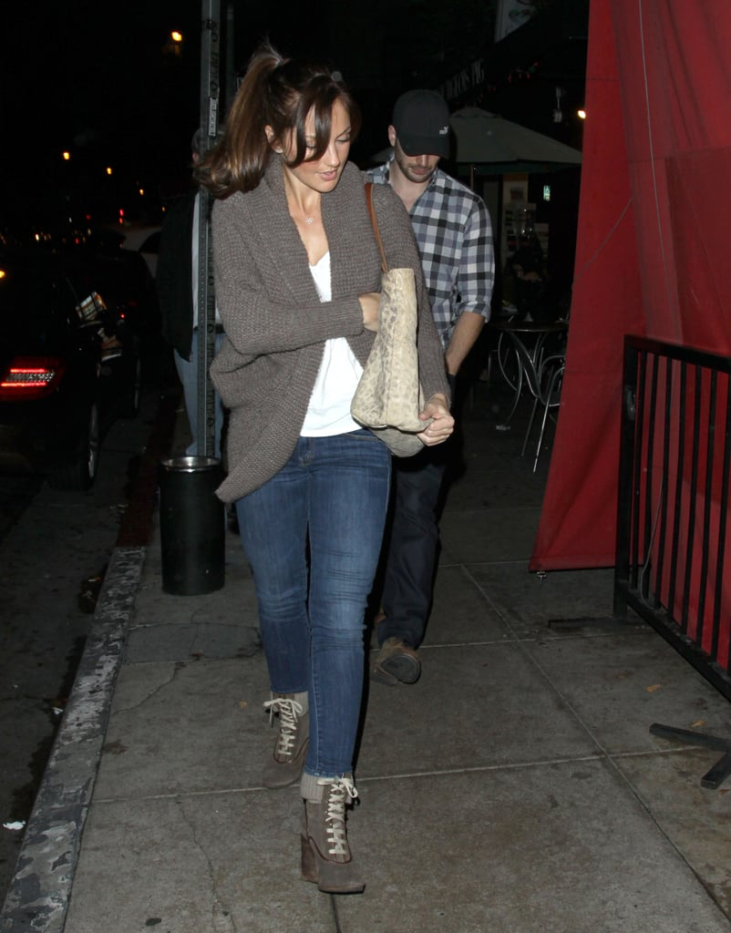 Minka Kelly and Chris Evans are dating.