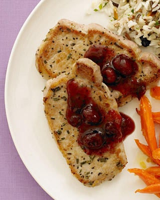Fast, Easy Recipe for Pork Cutlets with Cranberry Port Sauce
